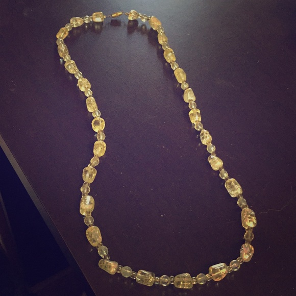 Jewelry - Shiney Rock Necklace with Twistable Clasp